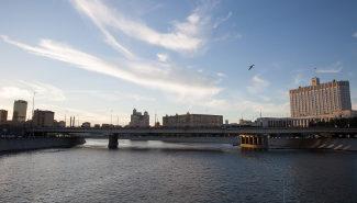 Uferstraße Krasnoprespenskaja in Moskau